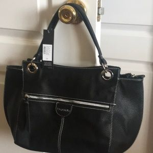 Tahari pocketbook